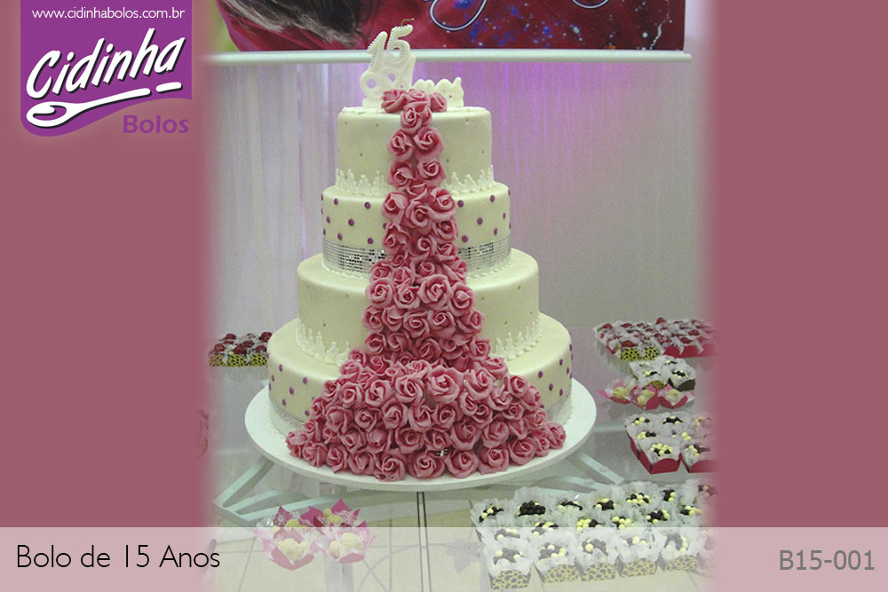 Fotos de bolos para 15 anos cidinha bolos louveira for Cubre sillas para 15 anos